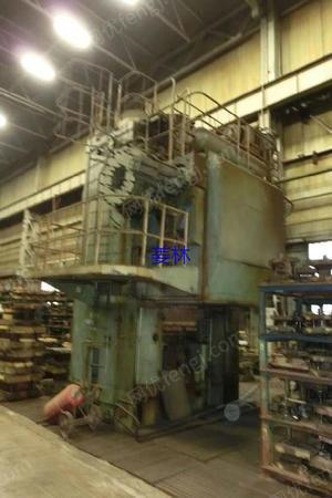 出售俄罗斯2500吨精压机