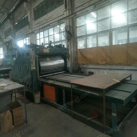 纸箱设备低价转让科盛隆三色印刷机一台,科盛隆自动轮转开槽机