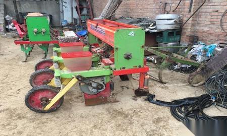 种植施肥机械回收