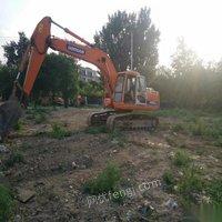 供应两台斗山220-7挖掘机