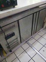 冰柜,订做冰柜,冰激凌机99新封口机等出售
