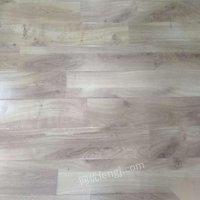 回收销售强化、实木、pvc木地板、防腐木!