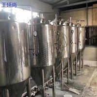 出售一拖四型号不限二手酿酒设备精酿啤酒发酵设备