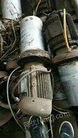 急需塑料制品铁铜吕,钢筋头,钢结构场房,电缆,