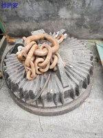 浙江宁波出售1个废钢铁加工设备吸盘