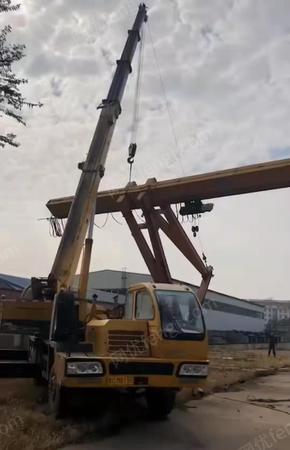 出售10吨包厢龙门吊,跨度24米,外悬各6米,总长36米,400大驱动