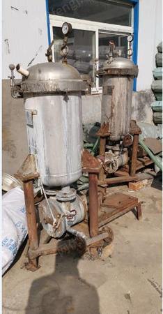 制线加工厂处理1台打样机,2台6轴高温高压染样机,能染6一8kg,1台染绞纱染样机,染8一10Kg