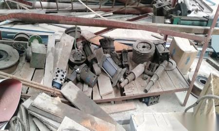 山东烟台现在不用了便宜打包出售一批闲置阀门液压缸减速机等闲置物品