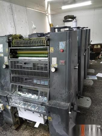 上海宝山区华光52四色胶印机十切纸机,全套转让