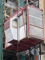 四川巴中13年中联施工升降机四台80米高度低价出售