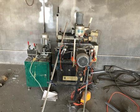 山东青岛在位出售二手济南辰禾塑钢全套设备 20000元 除四位焊,全部都有