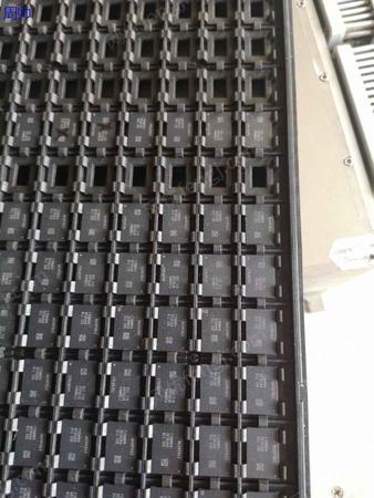 专业高价回收ic 电容 晶振二 三极管 LED灯珠 电子元件