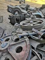 辽宁阜新报废设备回收,回收暖气片,回收废铁