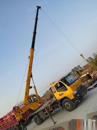 山东东营转让15年6月柳工8吨4节臂吊车