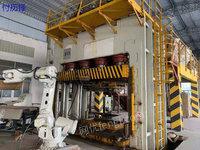 工厂出售16年2000吨油压机1台,带机器人