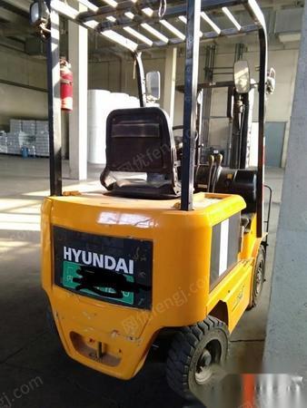 天津河西区转让北京现代1.5吨电动平衡重叉车
