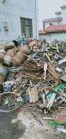 高价大量收购油漆桶棉花包 汽车壳 油桶 剪料 毛料 统料 摩托车壳 重废 彩瓦 花盒料