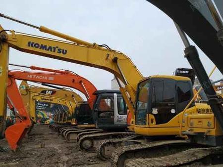 处置积压小松200-7小松挖掘机