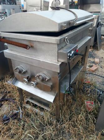 山东济宁出售6台300、400、650型全自动真空拌馅机二手肉制品加工设备8000元