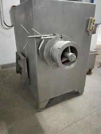 山东济宁出售5台100、120、130、250型冻肉绞肉机二手肉制品加工设备8000元
