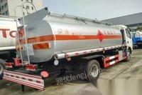 江苏无锡转让5吨油罐车有正规手续的5吨油车