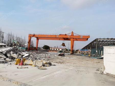 低价出售二手集装箱吊45吨36米跨。