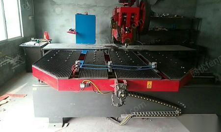 天津和平区闲置95成新发光字外露穿孔字冲床一台 31800元出售