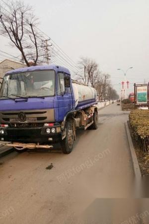 江苏徐州出售15吨洒水车(没有户)玉柴6110发动机,法士特8挡变速箱,153桥 3.6万元