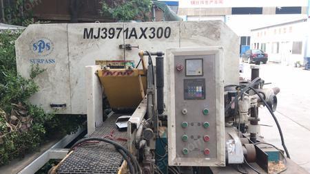 木材加工厂处理R-RP1000砂光机,MJ3971AX300卧式带锯机各1台(详见图)