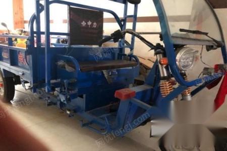 浙江嘉兴出售5台花边针织机,用了半年,机器在闹村...