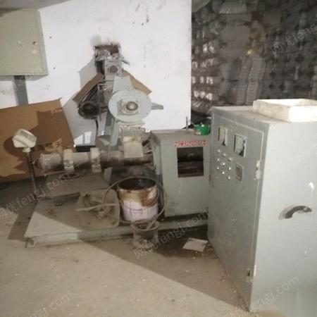 山东淄博饲料用膨化机一台混合机组出售