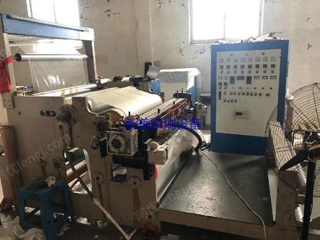 浙江温州出售1台出售一米一宽1100型热熔胶复合机。
