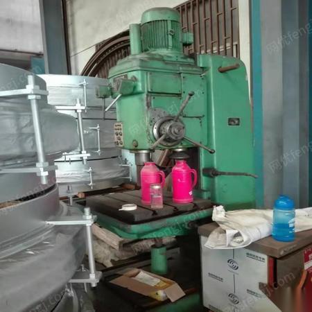 上海宝山区闲置多年出售一台冲床一台立钻  12000元