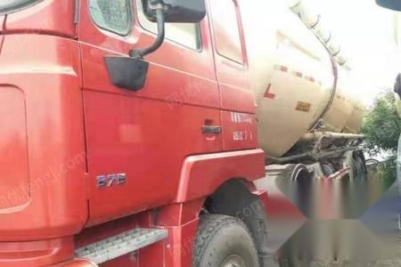 二手水泥罐车出售