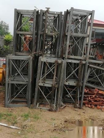 河北邯郸转让14年大汉施工电梯,9.9成新