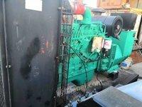 出售东风康明斯二百千瓦靓机,无动无修,负载电流330,鼎新组装底座带油箱。