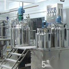 上海因厂房搬家,低价转让二手化妆品生产线一套、乳化罐,液洗搅拌锅等