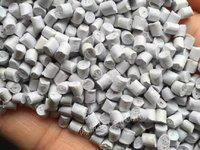 出售灰白ABS颗粒,冲击19个,打螺丝不断裂,韧性好