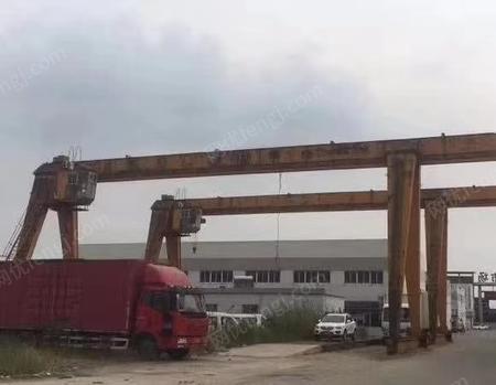 处置MH型5吨-28m龙门吊,跨度28m,单外悬5米