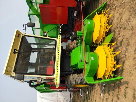 出售拖拉機側掛式玉米收獲機