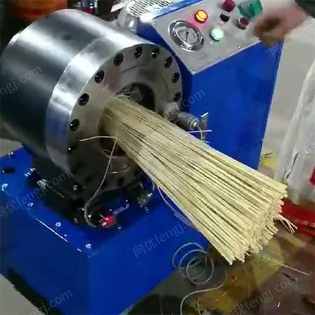 出售新型全自动芨芨草扫把扣压机
