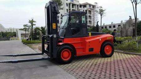 出售华南重型12吨叉车