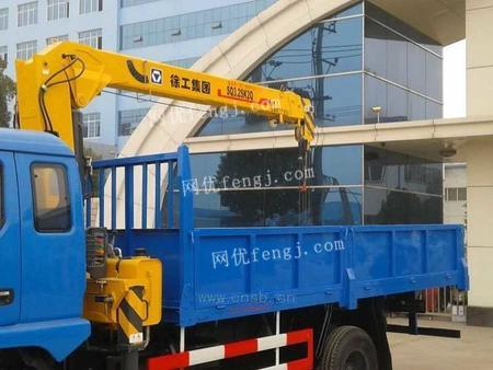 东风3.2吨随车吊起重运输车