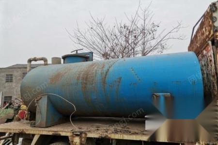 湖北宜昌出售水罐一个长3米宽1.7米,高1.3米 有脚