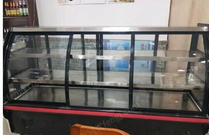 上海出售九成新四开门冰箱、冰柜、展柜、桌椅、空调六台