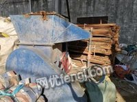 广东广州破塑料的破碎机型号600,8成新。出售