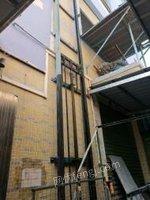 广东东莞出售升降机电梯安全,可载一吨半,扬程2楼