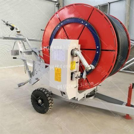 供应大型田地移动式喷灌机 多喷头喷灌机 PE管卷盘式灌溉设备