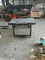 广东深圳二手低价出售丝印机,移印机,斜臂丝印机。