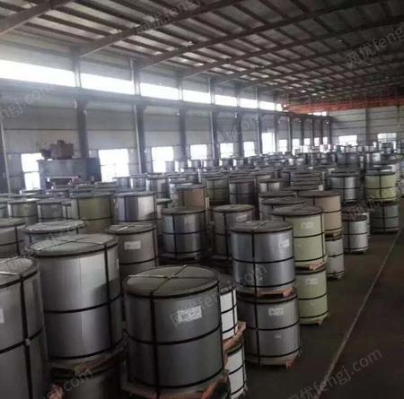 供应武汉宝钢青山氟碳彩涂板0.4*1200绯红价格